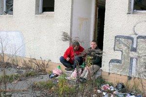 Zuzana žije na ulici sedem rokov, Jozef rok.