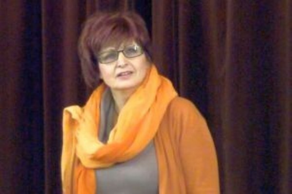 Anna Mišurová na súťaži predniesla báseň Vzduch.