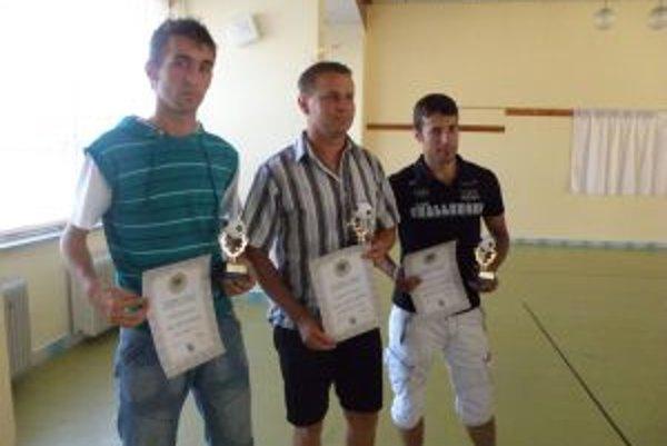 Ján Štefula (vľavo) z Tuchyne získal najviac hlasov nielen medzi hráčmi, ale aj celkove.
