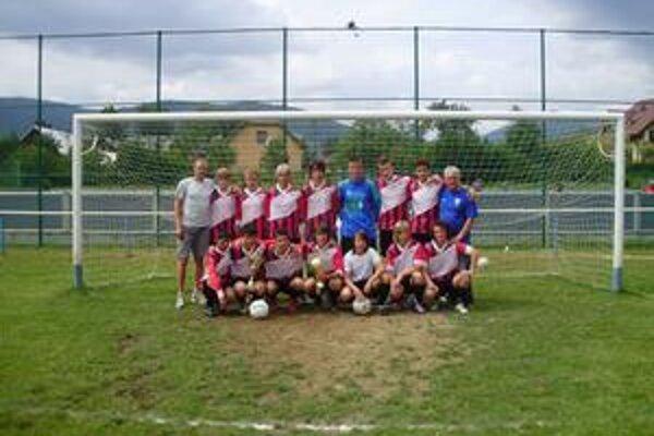Dorastenci Papradna po výhre na turnaji v Brvništi skončili doma štvrtí.