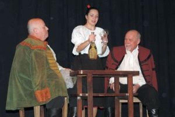 Matičná divadelná ochotnícka scéna zahrala hru Prekazená voľba.