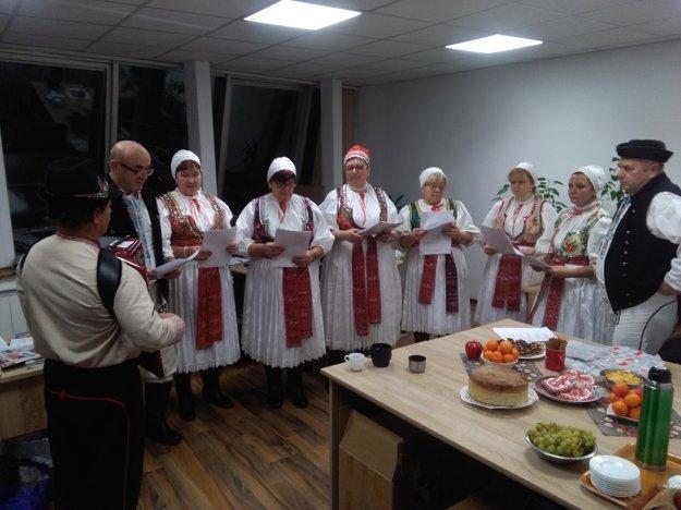 Koledy si trénovali aj v redakcii MY Žilinské noviny.