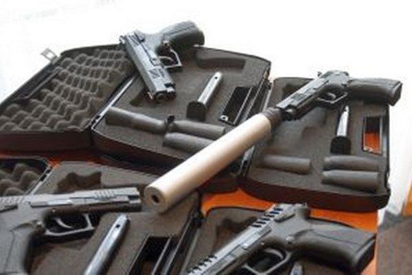 Zbraňová amnestie potrvá do konca mája.
