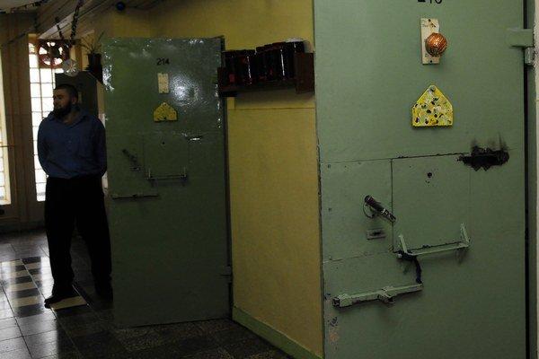 Väzňov budú učiť stredoškolskí pedagógovia z odborných škôl alebo hotelových akadémií či vzdelávacích centier.