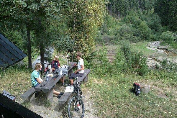 K dispozícií majú cyklisti aj špecializované mapy a mobilnú aplikáciu.