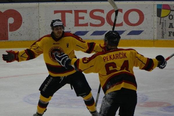 Topoľčany doma vyhrali, dva góly strelil Jozef Klenko.