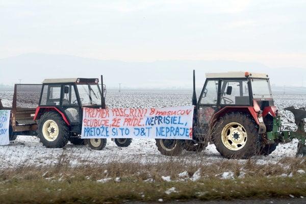 Minuloročný protest farmárov.
