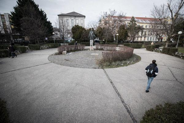 Gajdoš chce v Bratislave hrob neznámeho vojaka za státisíce eur