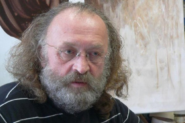 Jaroslav Uhel je štvrtým vysokoškolským pedagógom v umeleckom školstve z Liptova, ktorý získal najvyššiu vedecko-pedagogickú hodnosť.