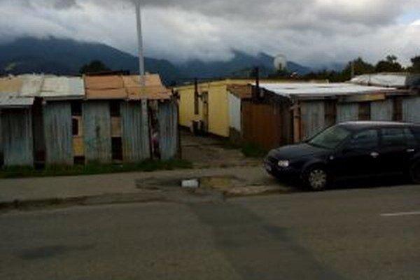 Osadníci zaberajú bez povolenia nielen mestské, ale aj súkromné pozemky.