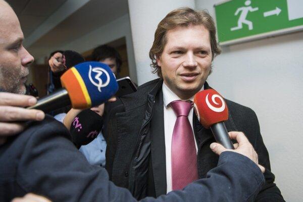 Andrej Šabík odmieta, žeby z väzenia vynášal tajné správy od Mariana Kočnera.