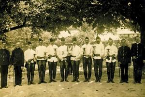 Baníci zo Španej Doliny v minulosti.