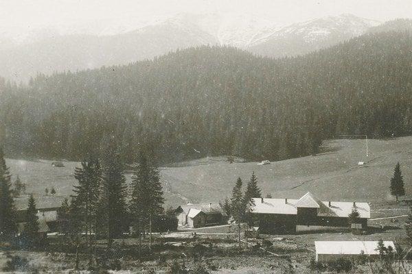 V Železnom postavili prvú kúpeľnú budovu už v roku 1870.