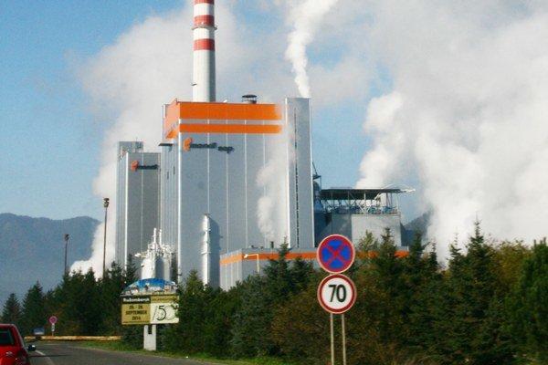 Pripravujú nový projekt, ktorý by mal zvýšiť efektivitu spaľovania zapáchajúcich plynov v závode.