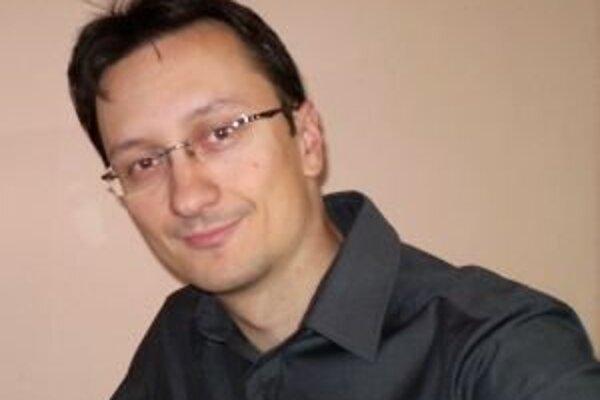 Jozef Karika je autorom mrazivého trileru Na smrť.