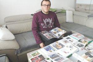 Jakub Mišík s časťou bohatej zbierky sa teší na nových kamarátov zberateľov aj na FB ako Jakub Mišiak Mišík.