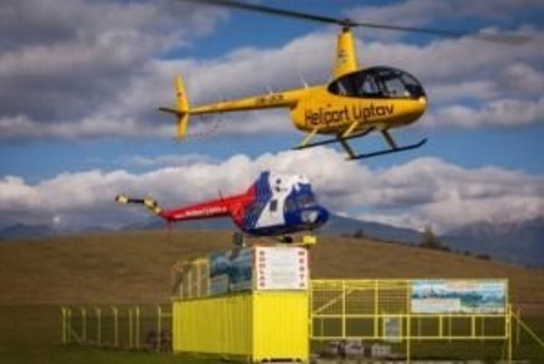 Výstavba heliportu sa oddaľuje, zákazníci komerčných letov sa musia uspokojiť s provizórnymi podmienkami takzvanej pracovnej plochy a bez doplnkových služieb.