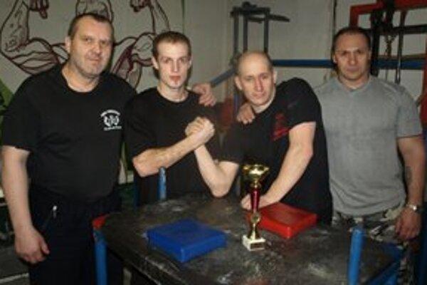 Mikulášski pretláčači. Na fotografii sprava: Ján Labaj, Martin Meniar, Igor Kubo a Pavol Baka.