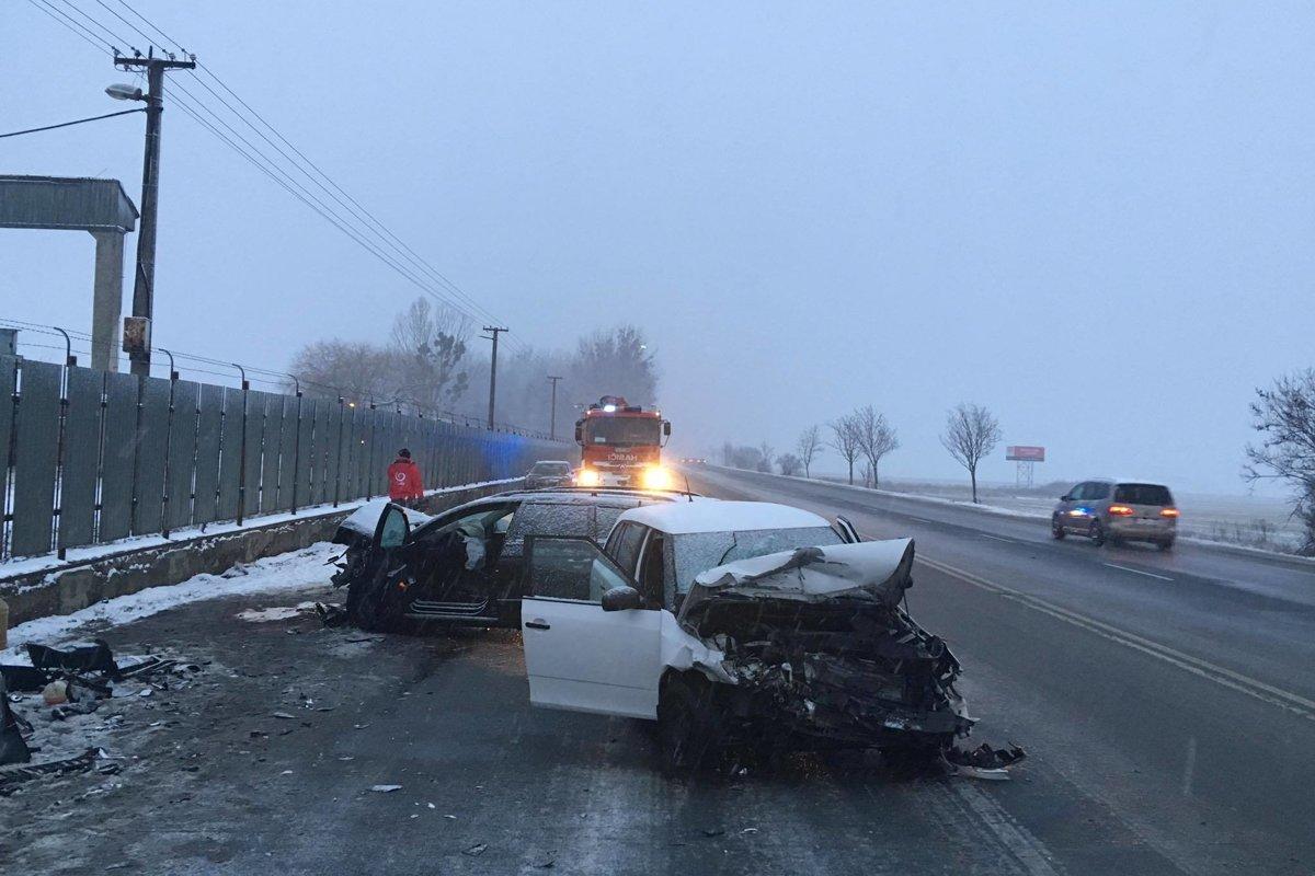 7f303b369bf9 Pri Kapušanoch sa čelne zrazili dve autá - Korzár SME