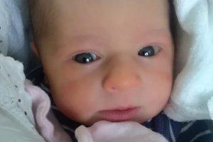 Laura Hladká (2940 g, 48 cm) sa narodila 13. decembra Martine a Martinovi z Častkoviec.