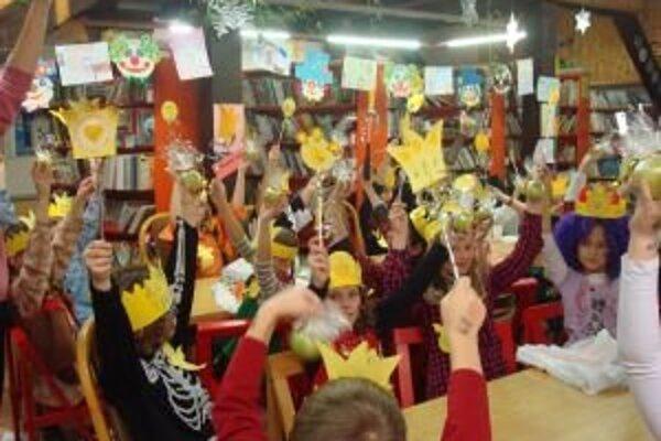 Deti prežili v knižnice zaujímavý večer aj celú noc.