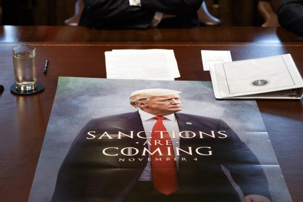 Už v novembri upozornil na plánové zavedenie sankcií voči Iránu.