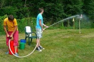 Na podujatí súťažili aj v striekaní vodou na určený cieľ.