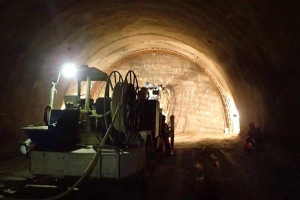 Práce v diaľničnom tuneli Prešov.