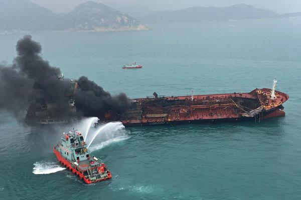 Vietnamský tanker explodoval, keď sa pripravoval na tankovanie.