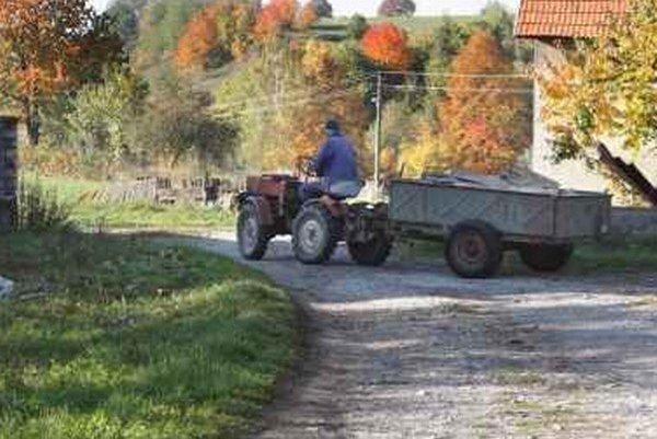 Od septembra je možné prideliť zvláštne evidenčné číslo obsahujúce písmeno C vozidlám, ktoré nie sú schválené na prevádzku v premávke na cestách, no sú používané na poľnohospodárske alebo lesné práce.