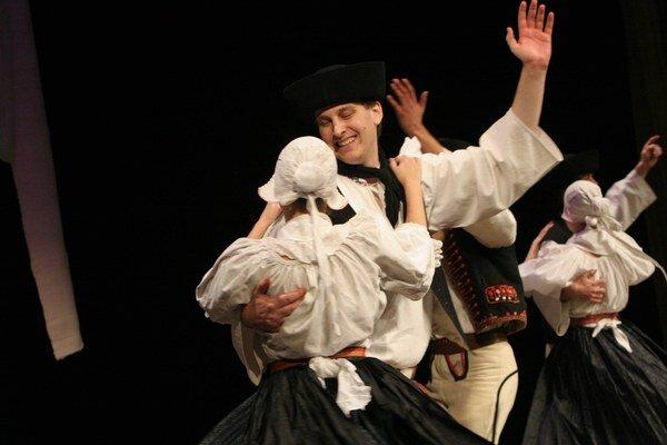 Materiály výskumu v obciach poslúžili ako zdroj pre vznik nových choreografií a programových blokov.