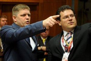 19. jún 2008. Maroš Šefčovič  a premiér SR Robert Fico počas summitu EÚ  v Bruseli.