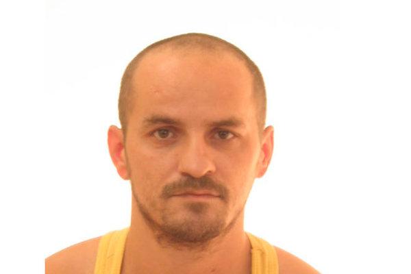 Odsúdený 33-ročný Richard Drábek ušiel z pracoviska na Peknej ceste v bratislavskej Rači.
