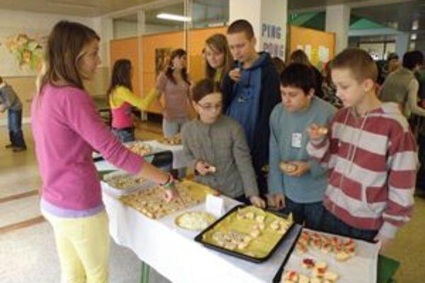 Deti ochutnali aj zdravú stravu.