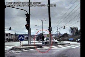 Polícia vyšetruje okolnosti lúpežného prepadnutia čerpacej stanice na Rožňavskej ulici v Bratislave.
