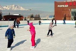 Mesto Poprad v súčasnosti prevádzkuje jednu otvorenú ľadovú plochu pri Aréne Poprad.