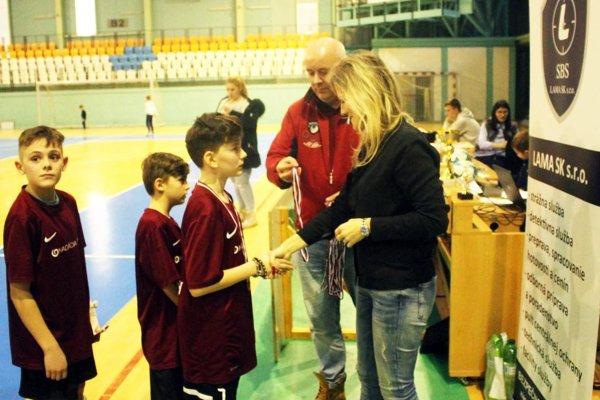 Posledné dva ročníky turnaja U13 vyhrali Výčapy-Opatovce. Tie však trofej obhajovať nebudú, pretože žiacky futbal v tejto obci už nefunguje.
