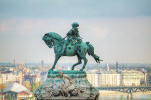 Princ Eugen Savojský na koni nad Budapešťou.