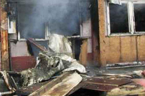 Sociálnu ubytovňu zničil požiar v januári v roku 2012.