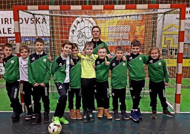 Družstvo FKM Nové Zámky, ktoré obsadilo na turnaji štvrté miesto.