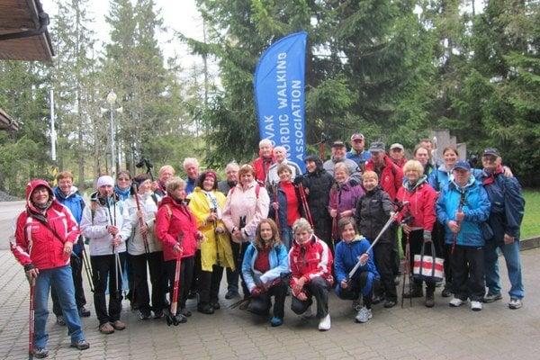 Účastníci absolvovali praktické cvičenie v telocvični a v bazéne pod vedením vysokoškolských cvičiteľov ako aj vychádzky a cvičenia s inštruktormi (Nordic walking) na Štrbskom Plese.