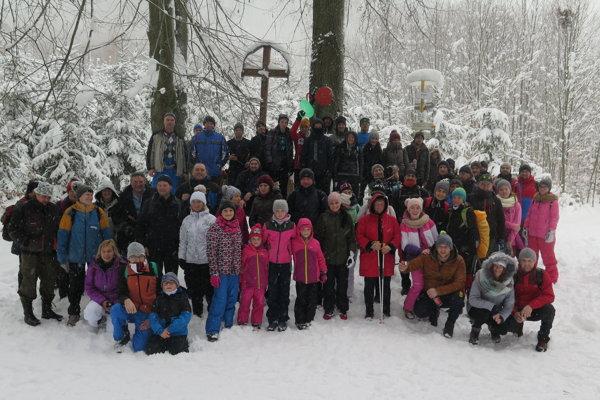 Spoločná fotografia účastníkov výstupu v sedle Patúch.