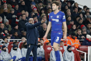 Tréner FC Chelsea Maurizio Sarri v zápase proti mestskému rivalovi Arsenalu Londýn - ilustračná fotografia.