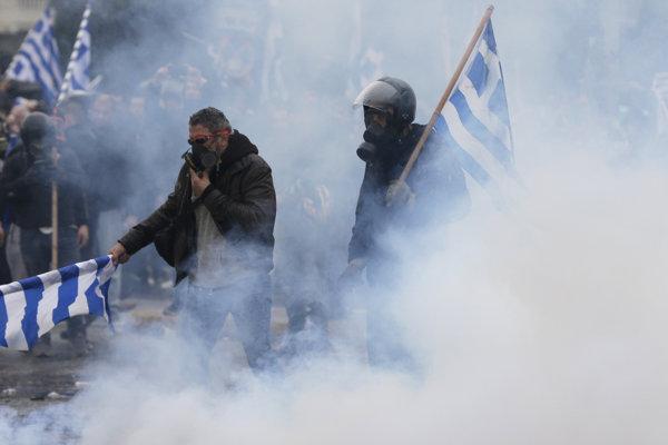 Grécke protesty proti dohode s Macedónskom.