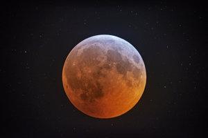 Zatmenie Mesiaca.