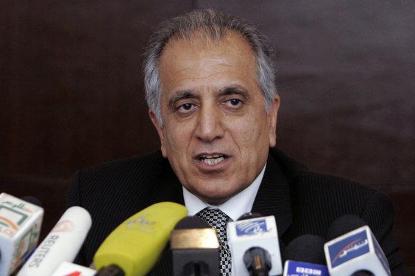 Americký vyslanec Zalmay Khalilzad.