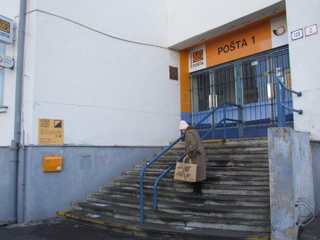 Pošta nie je bezbariérová.