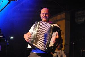 Akordeonista Rado Duda.
