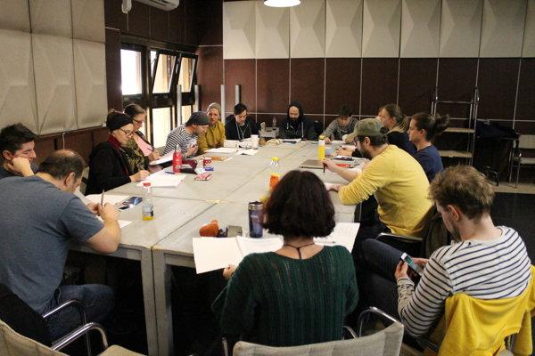 Tvorivý tím inscenácie Hlava XXII