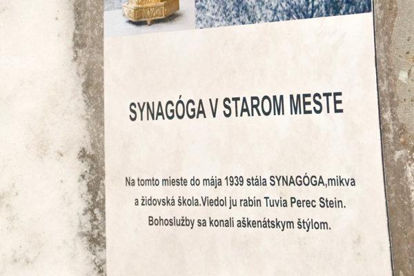 V Gelnici odhalili na mieste synagógy pamätnú tabuľu.